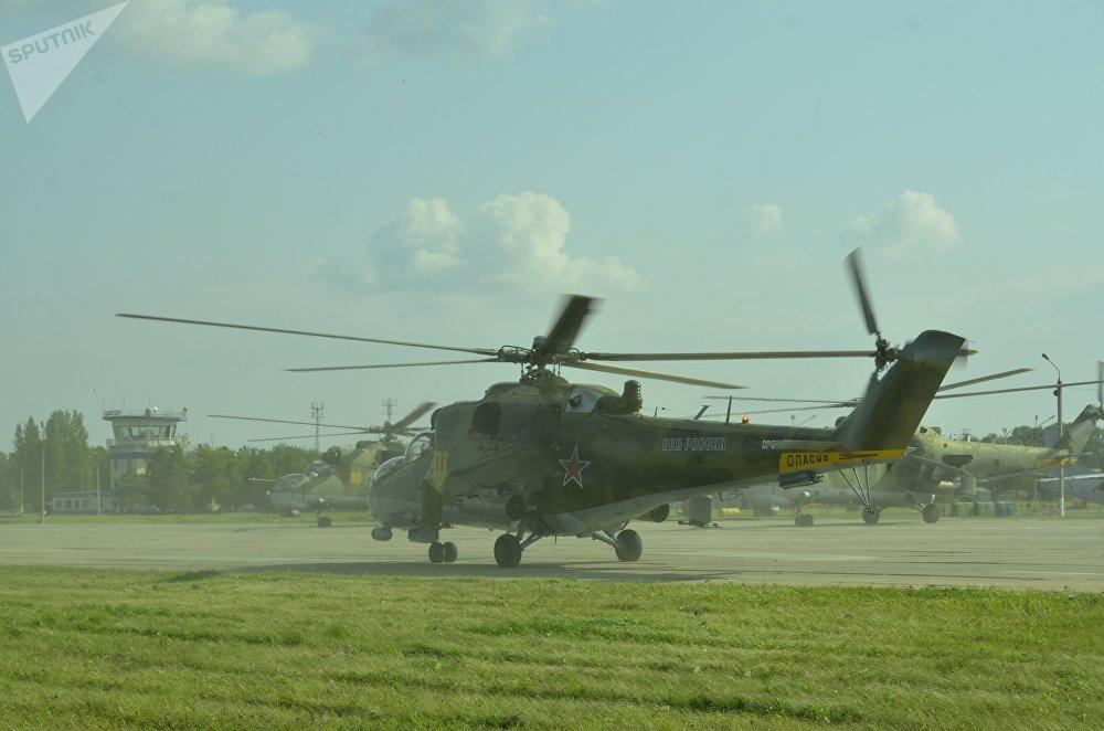 切巴爾庫爾訓練場(南烏拉爾)上空的米-24直升機,「和平使命-2018」上合組織成員國武裝力量反恐演習