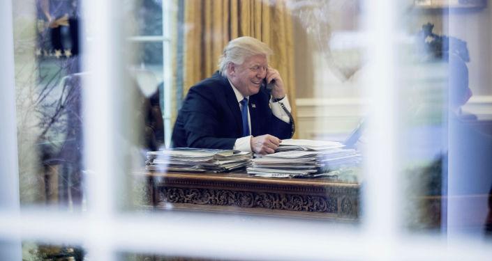 特朗普稱俄中間諜竊聽其電話的報道是假消息