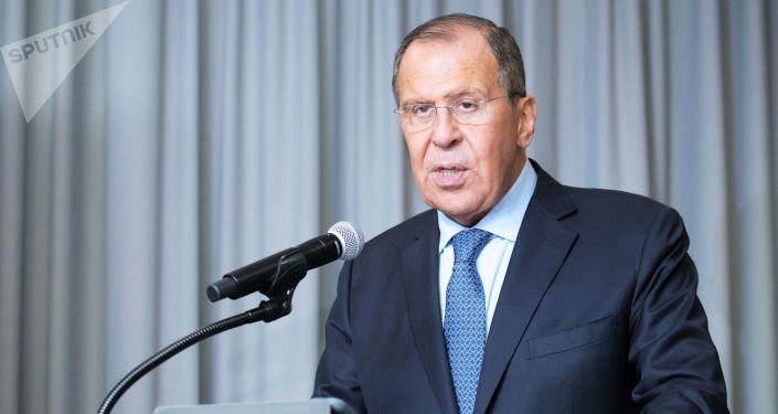 俄外長:美國對伊朗的制裁是絕對非法的