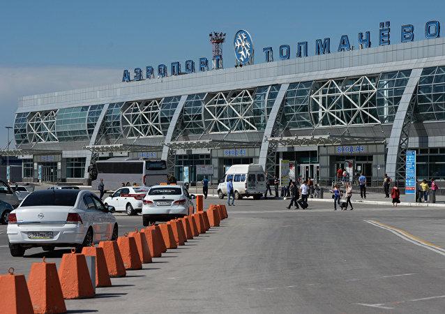 俄新西伯利亞市托爾馬喬沃機場