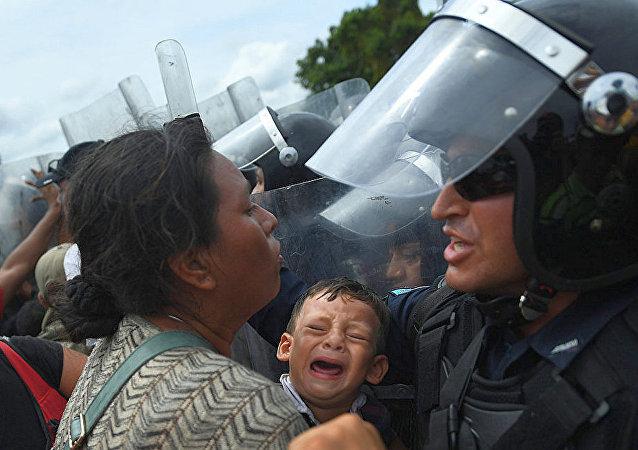 洪都拉斯移民在墨危邊界