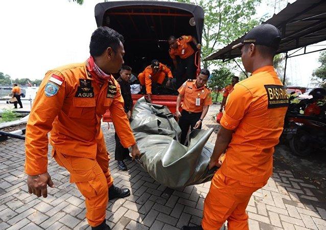 印尼海岸附近坠毁
