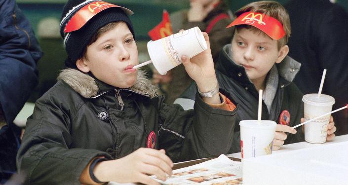 莫斯科首家麥當勞餐廳