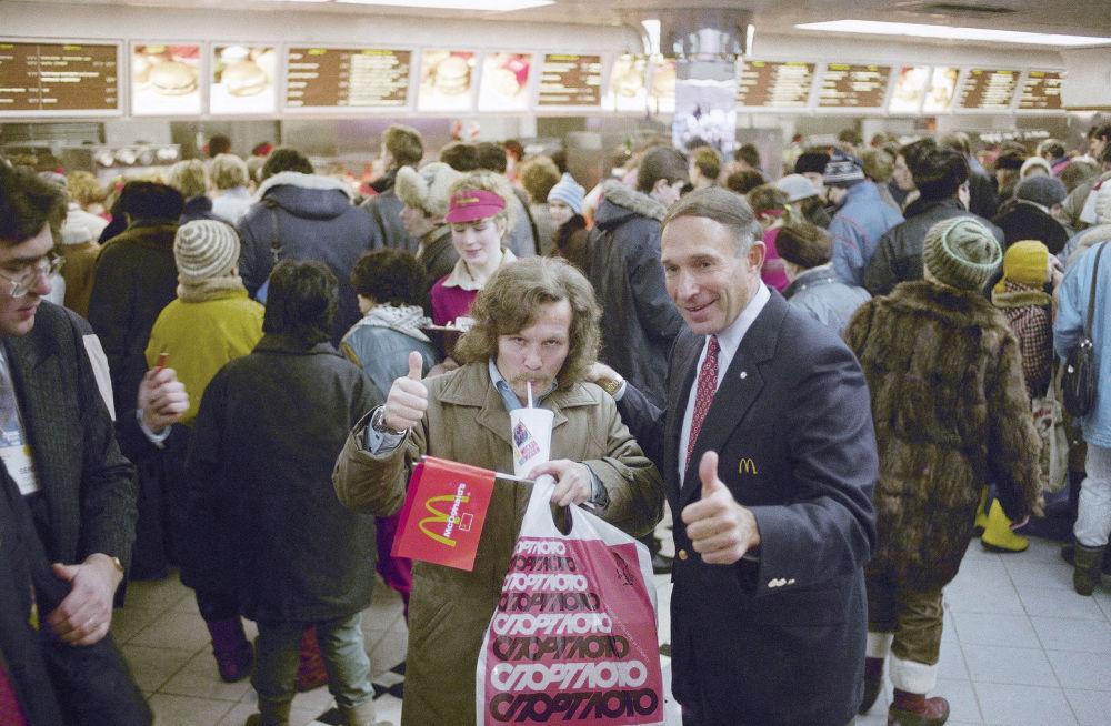 莫斯科麦当劳餐厅首批顾客和麦当劳俄罗斯和加拿大公司创始人乔治·科恩