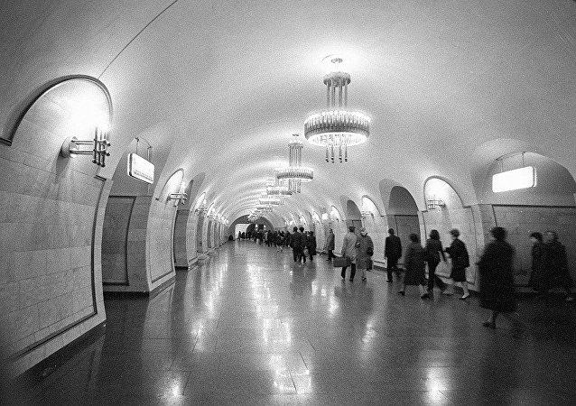 基輔「列夫∙托爾斯泰廣場」地鐵站