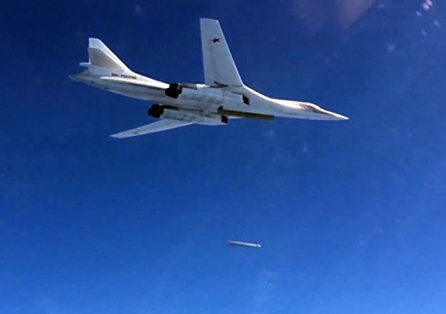 """两架俄罗斯轰炸机在""""三叉戟接点""""军演上使北约""""惊惶"""""""