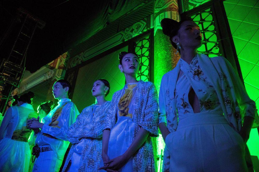 中國國際時裝周 靚模展華服風采