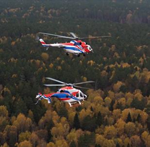 俄米-171A2和安萨特直升机训练飞行
