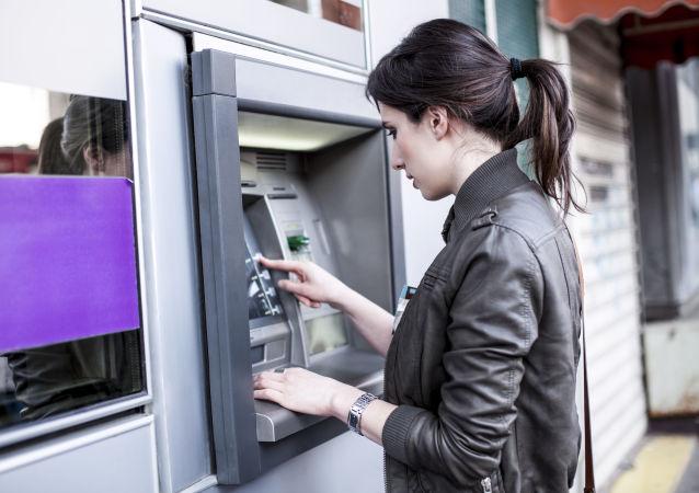 俄议员:俄境内金融信息传输系统的用户数量已超越SWIFT系统