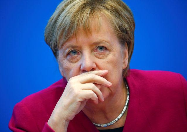 默克尔:德国将赞成延长对俄制裁