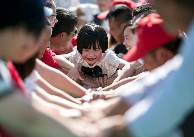 俄专家:中国将更为积极地修改人口政策