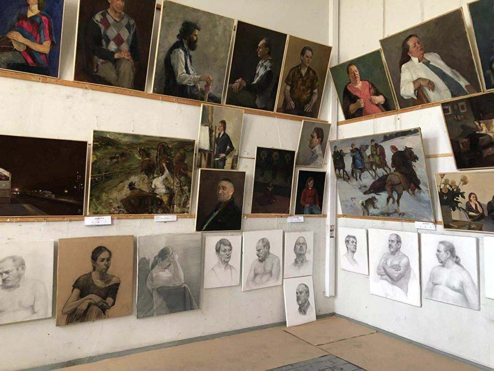 蘇里科夫美院富有藝術的校園環境