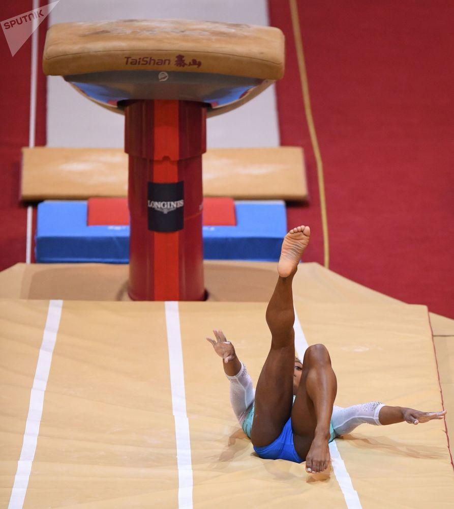 多哈體操世錦賽落幕 女運動員展現高超競技水平