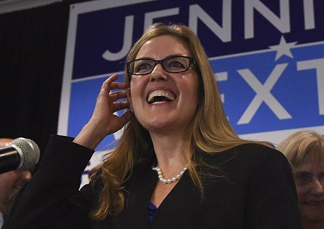 美国众议院女性议员詹妮弗·韦克斯顿(Jennifer Wexton)