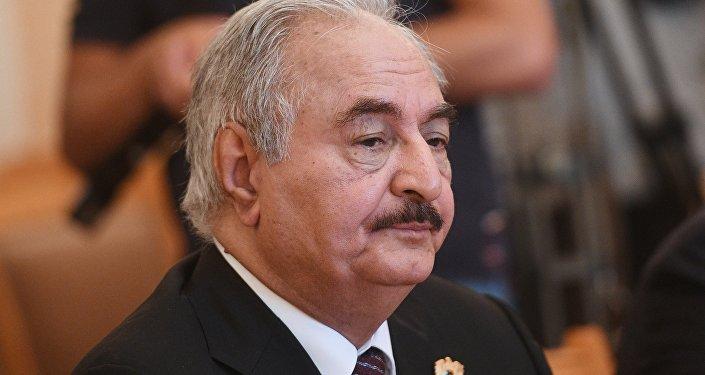 利比亞國民軍總司令訪俄並與俄防長討論利比亞危機