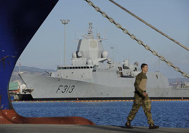 挪威護衛艦與油輪相撞 致7人受傷