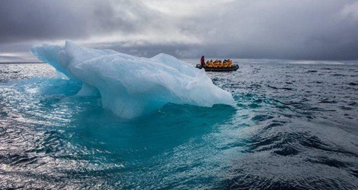 俄中科学家收集北极地区的气候变化资料