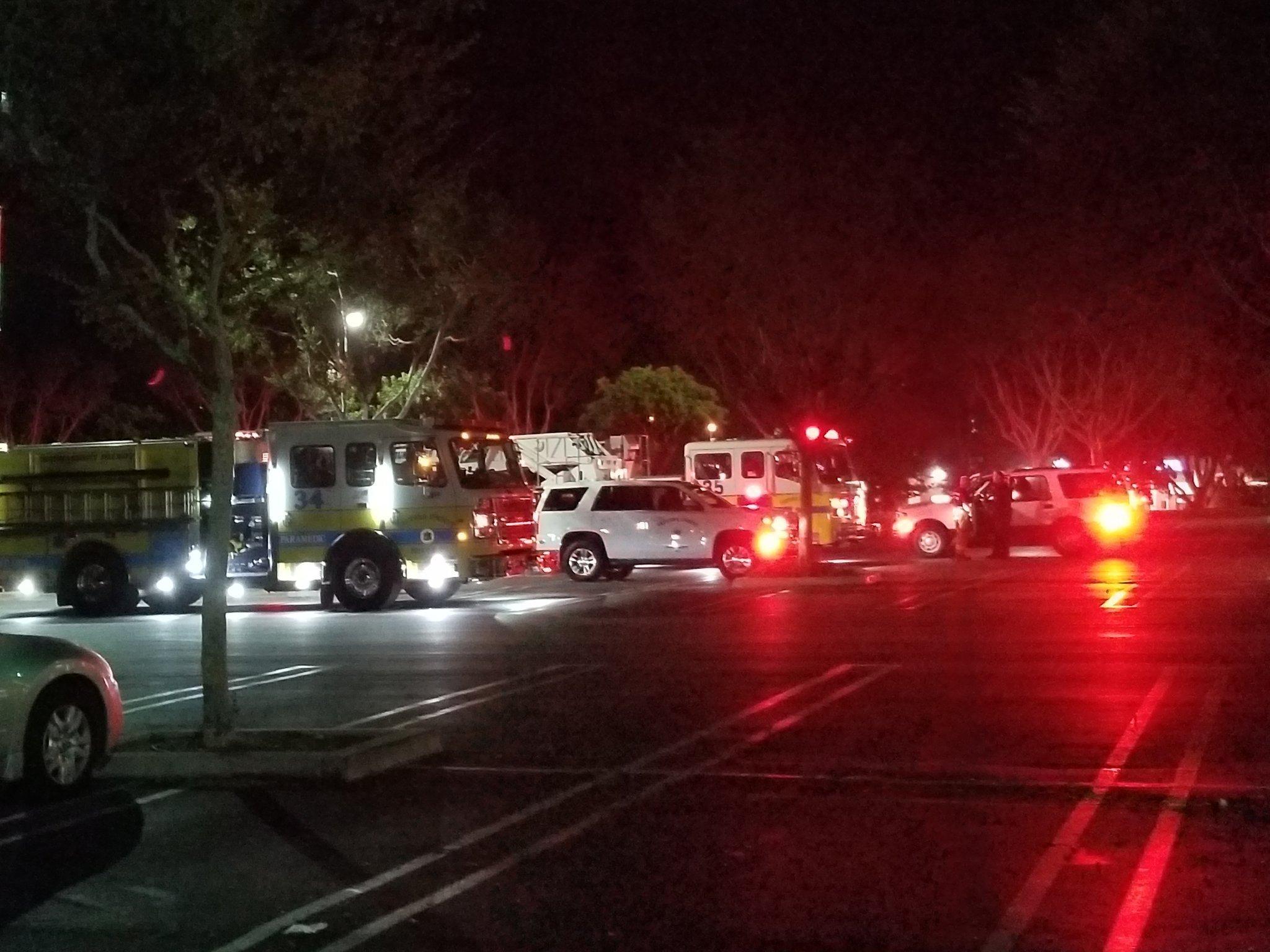 加州千橡市一家酒吧发生枪击事件 多人受伤