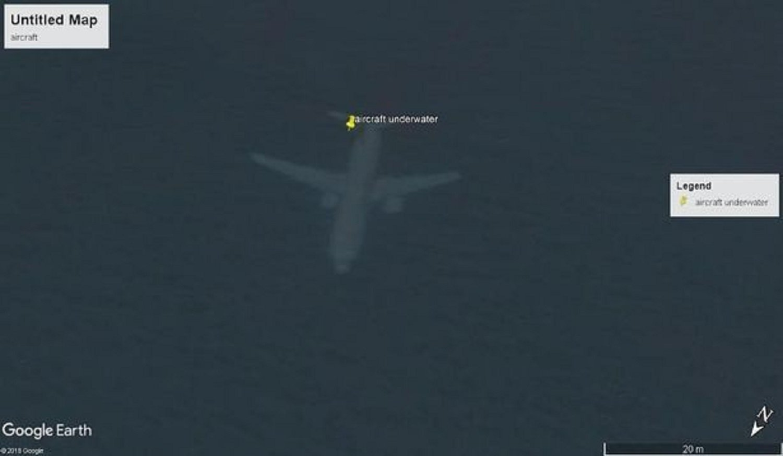 谷歌地圖拍到「墜海」飛機