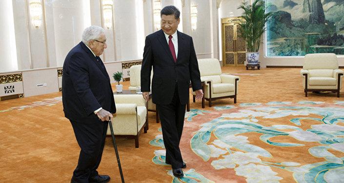 習近平會見美國前國務卿基辛格