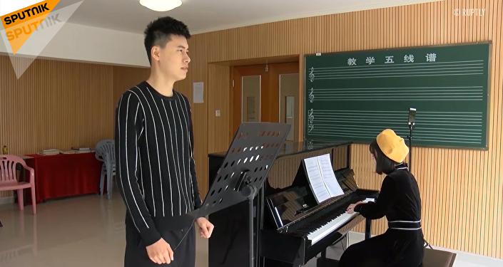 中國小伙打破男性最高音吉尼斯記錄