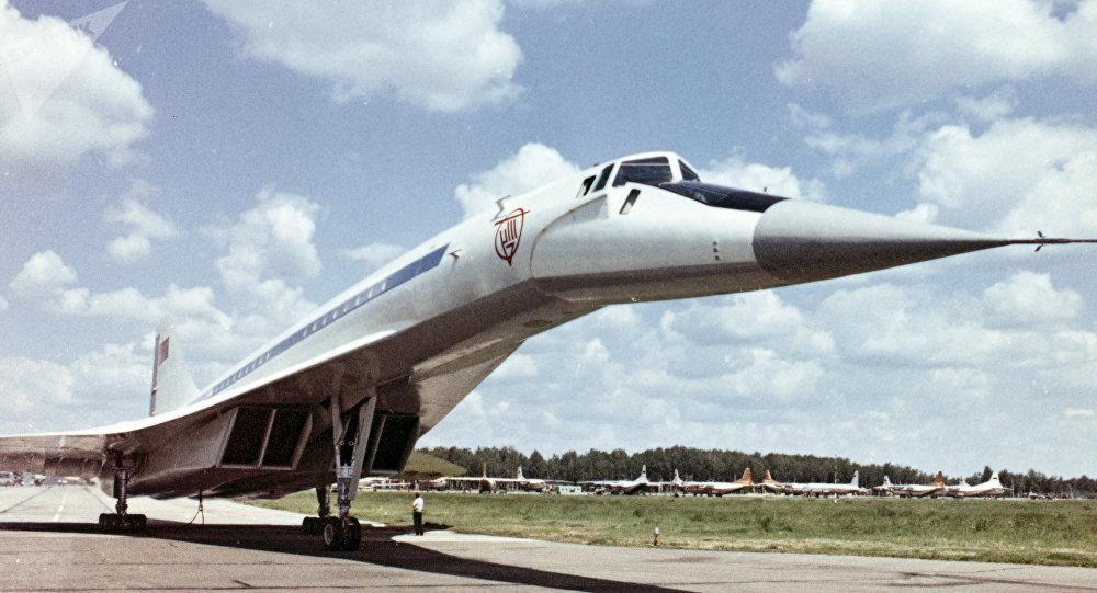 图-144样机