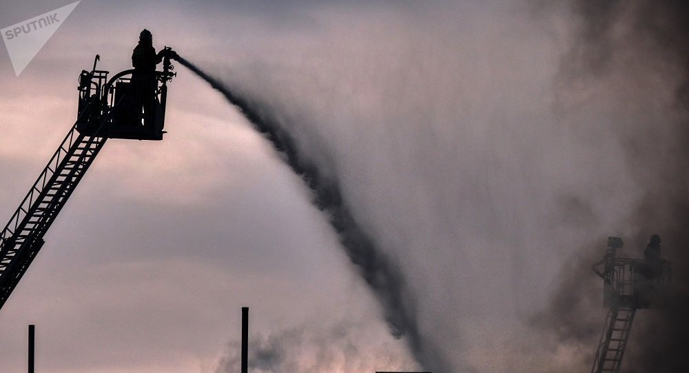 聖彼得堡Lenta連鎖超市起火面積攀升到5000平方米