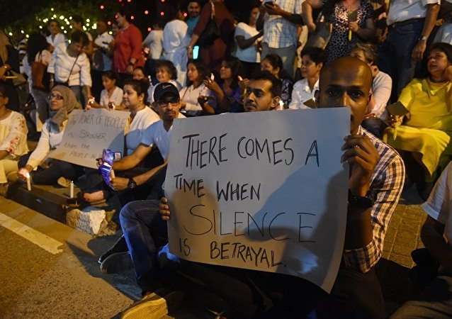斯里兰卡政治人士请求最高法院认定解散议会决定非法