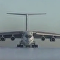 伊尔-76在南极降落