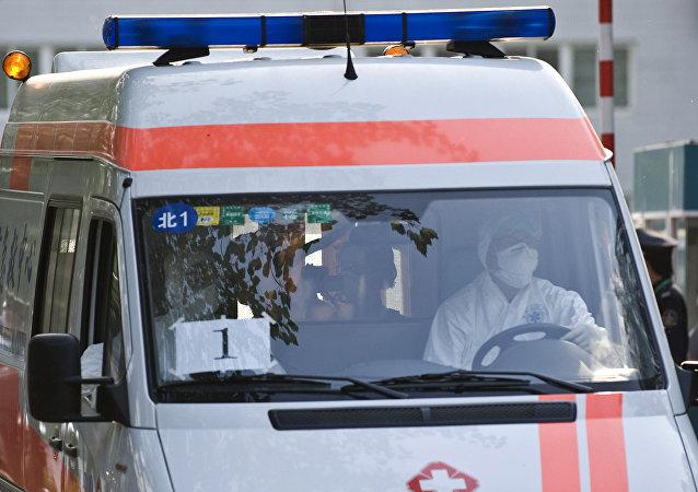 华媒:南京一医院楼板坍塌致21人受伤