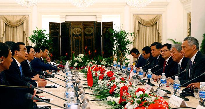 中新签署《自由贸易协定升级议定书》将释放双边经贸合作潜力