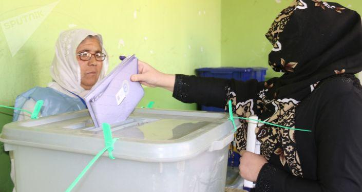 阿富汗總統大選觀察員預測將舉行第二輪選舉