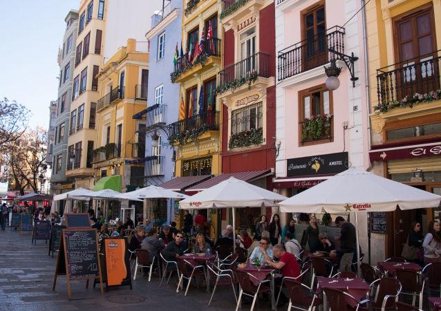 民调:西班牙超过80%的居民预计该国将出现新经济危机