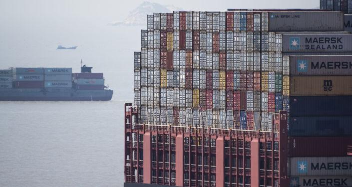 美国油轮在上海(资料图片)