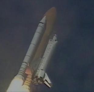 「暴風雪」號航天飛機太空飛行