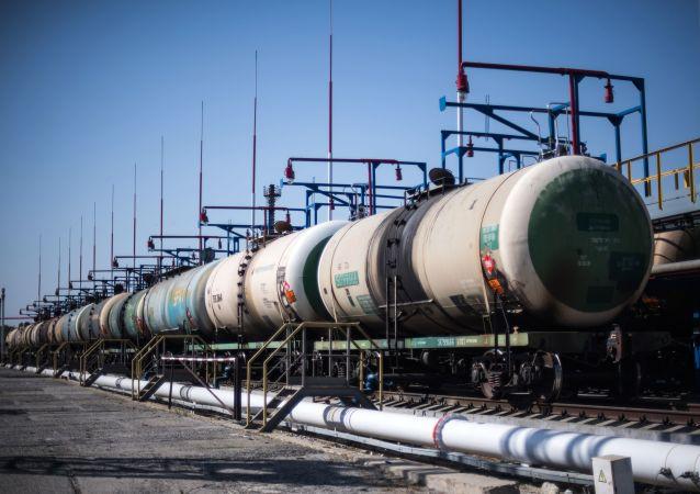 克宫密切关注石油市场动态