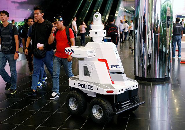 机器人警察在新加坡的东盟峰会上维持秩序
