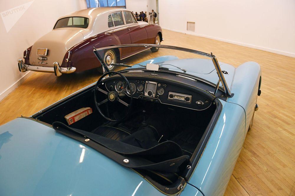 莫斯科中央藝術館稀有汽車展