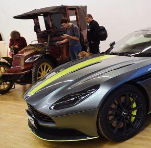 莫斯科中央艺术馆稀有汽车展