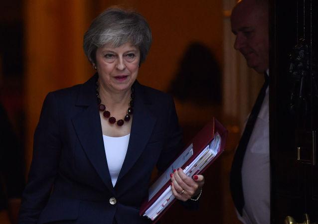 英國首相贊揚英軍為保衛國家免受伊斯蘭國和俄侵襲發揮作用