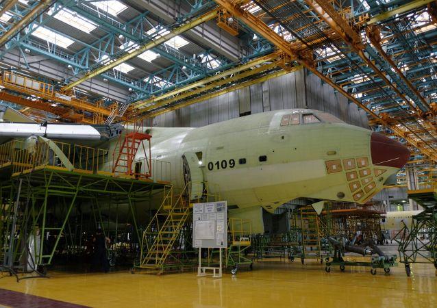 俄伊留申航空集团:今年将加快生产新型伊尔-76MD-90A运输机