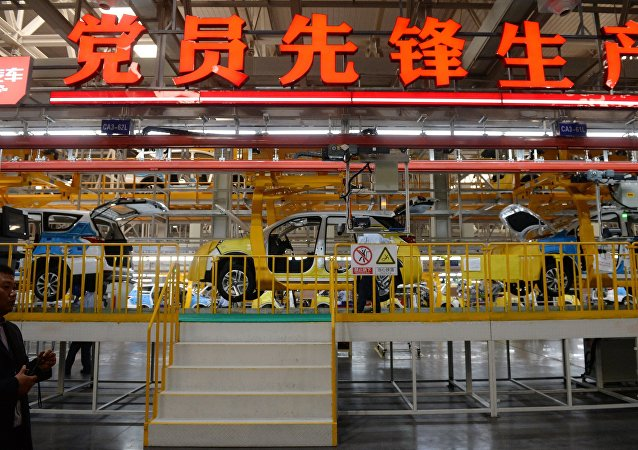 中汽协:1-11月中国汽车产销继续下降 新能源汽车高速增长