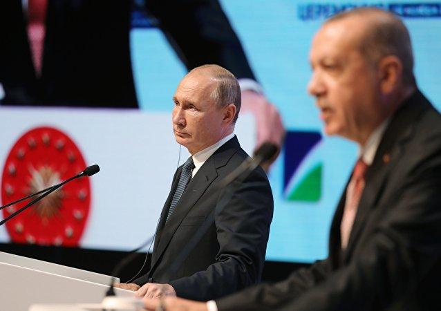 普京:俄罗斯是可靠的天然气供应国