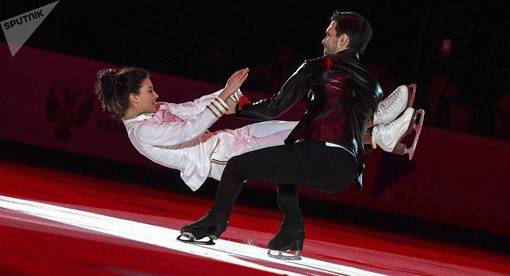 """继图娃之后,又有一名俄花滑运动员上演冰上""""脱衣舞"""""""
