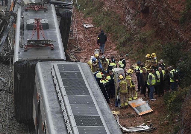 西班牙緊急情況部門:加泰羅尼亞通勤列車事故受傷人數上升至49人
