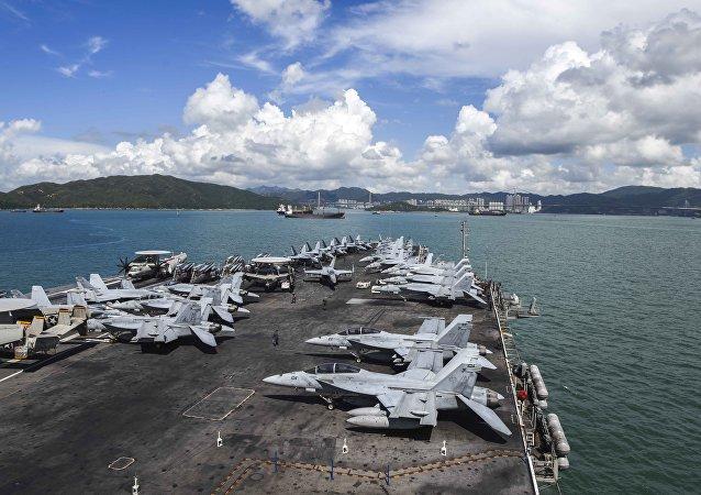 「里根」號航母進入香港水域