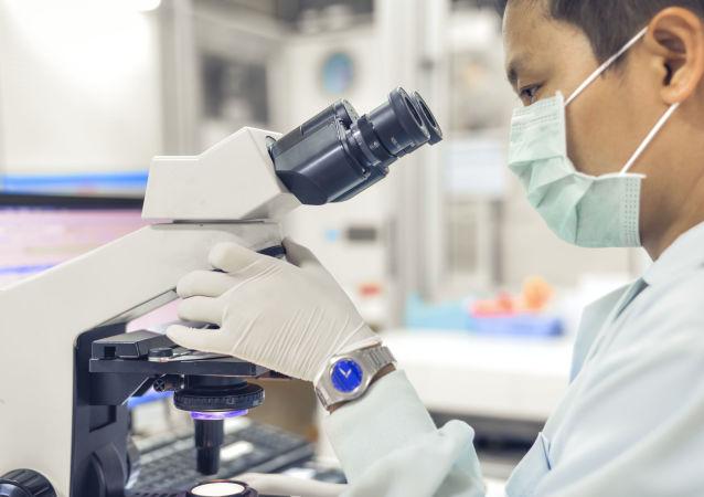 俄中科学家发明出如何提高纳米显微镜功率的办法
