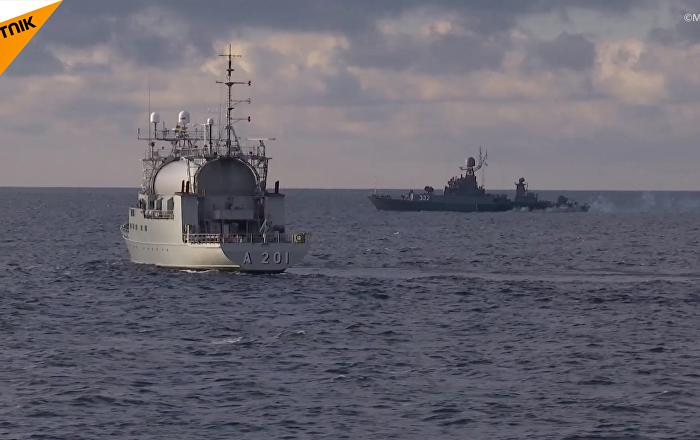 「堅強」號護衛艦和「卡爾梅克」號獵潛艦在波羅的海上的魚雷決鬥