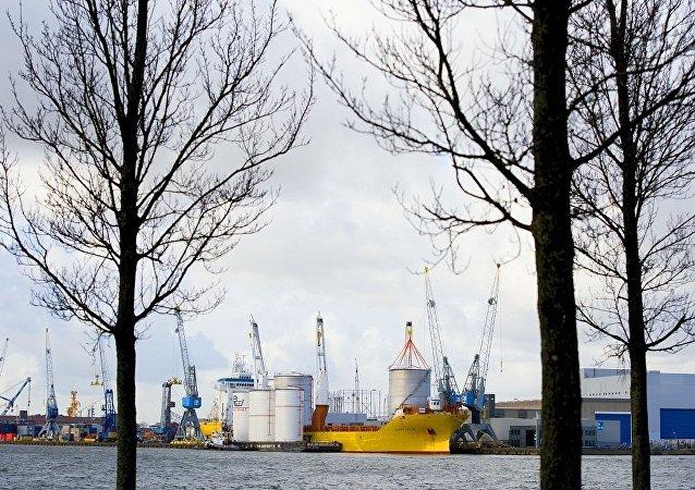 鹿特丹始发经加里宁格勒至成都的海铁联运班列年底前还将开行40列