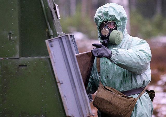 俄罗斯辐射、化学和生物防护部队军人 (资料图片)